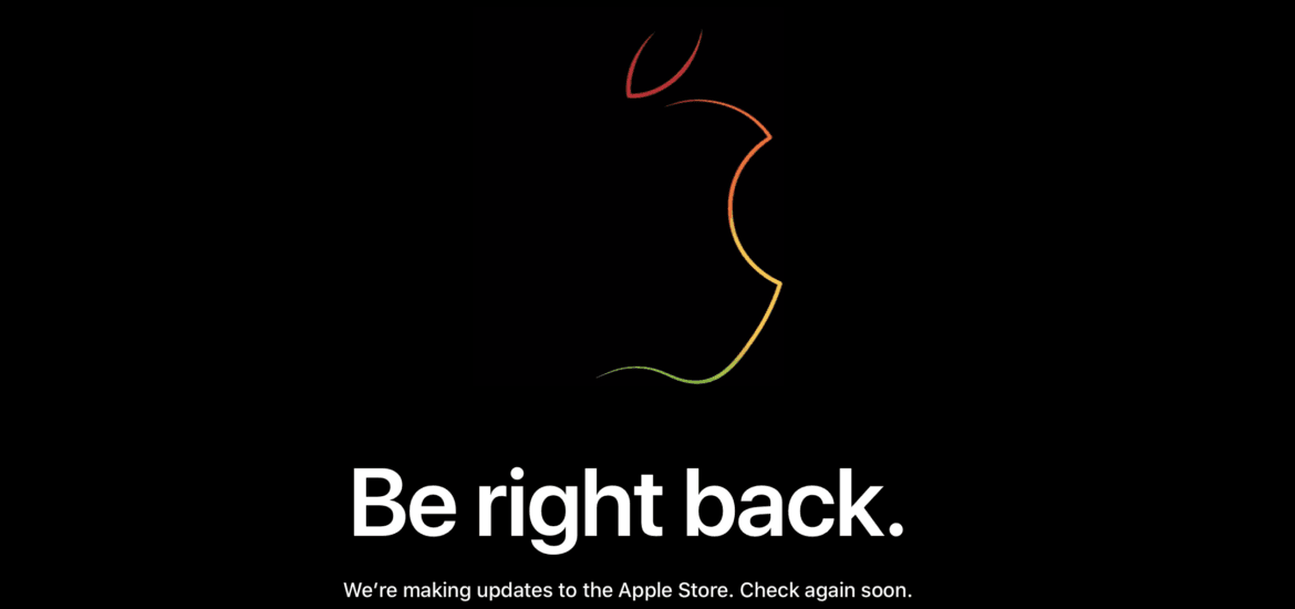 Apple Store Down Gather ROund iPhone XS