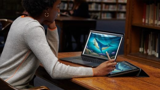 Apple-macOS-Catalina-sidecar-tethered-woman-drawing